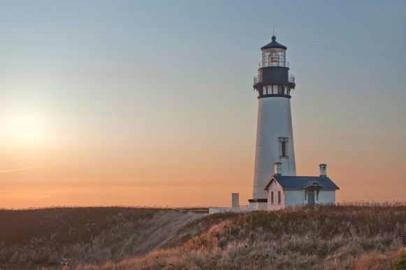 Yaquina Head Lighthouse Oregon Coast photo by Christian Heeb
